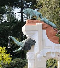 ehem. Eingang von Hagenbeks Tierpark - Tiere Bronze Skulpuren, steht unter Denkmalschutz.