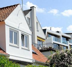 Architekturstile in Hamburg Blankenese - moderne Neubauten und einfache Architektur.