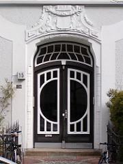 Jugendstil Dekor Hauseingang Hamburg Eppendorf.