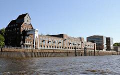 Altonaer Kaispeicher - zur Eventlocation und Bürogebäude umgebautes Speichergebäude in Hamburg Ottensen.