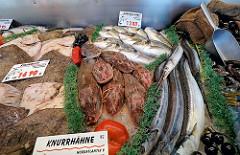 Fuhlsbüttler Wochenmarkt Ratsmuehlendamm - frischer Fisch in Hamburg Fuhlsbüttel.