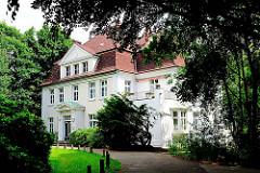 Villa beim Von Eicken Park in Hamburg Lokstedt.