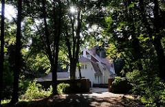 Villa im Niendorfer Gehege - Haus im Wald.