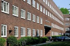 Backsteinfassade - Backsteinarchitektur Neues Wohnen der 1920er Jahre in Hamburg - Friedrich Ebert Hof in HH-Ottensen.