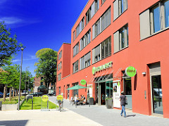 Neubauten auf dem Gelände des ehem. Barmbeker Krankenhauses - Bioladen.