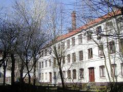 Historische Terrassenhäuser an der Talstrasse / Hein Hoyer Strasse in Hamburg St. Pauli - Wohnhäuser für den Abriss vorgesehen (2003)