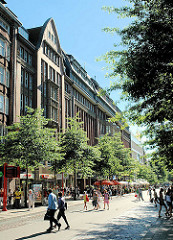 Architektur der Hansestadt Hamburg - Kontorhäuser an der Mönckebergstrasse; Fotos aus der Hamburger Altstadt.