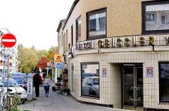 Fleischerei mit Kachelfront - Einzelhandel in den Hamburger Stadtteilen - Fotos aus Barmbek Süd.