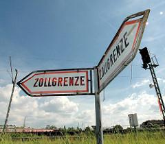 Doppelschild Zollgrenze in Hamburg Veddel - Freihafengrenze.