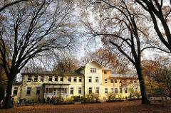 KITA im Saseler Park - Herrenhaus an der Stadtbahnstrasse.