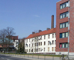 - Terrassenhäuser an der Talstrasse - Abrisshäuser in Hamburg St. Pauli. (2003)