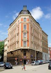 Historische Gründerzeitarchitektur, mehrstöckiges Wohngebäude in Hamburg Hammerbrook.