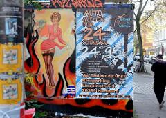 Werbung auf dem Kiez, Hamburg St. Pauli;  Pin-up Girl an einer Hauswand.