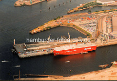 RoRo Frachter am O'Swaldkai im Hamburger Hansahafen. ( ca. 1998 )