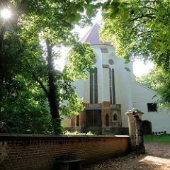 Johanniterkirche / Schlosskirche auf der Schlossinsel von Mirow - Ursprungsbau aus dem 14. Jahrhundert.