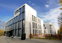 Bürogebäude / Luxuswohnungen - Neubauten auf dem ehem. Gelände der Standortkommandantur an der Sophienterrasse in Hamburg Harvestehude.