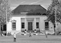 Klassizistisches Rathaus von Neustadt in Holstein - erbaut 1820 - Architekt Christian Frederik Hansen.