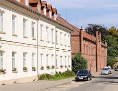 Wohnhäuser, Wohneinrichtungen am Kloster in Malchow.