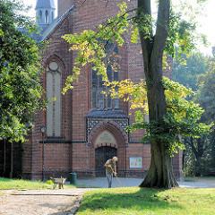 Eingang der Stadtkirche von Malchow, erbaut 1873 - Baumeister Georg Daniel, neogotischer Baustil.