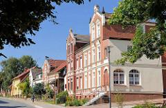 Gründerzeitgebäude / historische Architektur in Malchow; Rostocker Strasse.