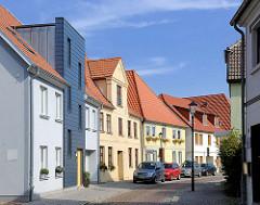 Alt + Neu, Wohnhäuser in modern und historischer Architektur, Insel von Malchow / Kurze Strasse.