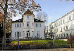 Villa in Hamburg Harvestehude - moderner Neubau, Norddeutscher Rundfunk NDR; Mittelweg in Hamburg Harvestehude.