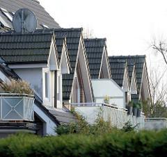 Dachfenster mit Pfannen eingedeckt - Neubau in Quickborn, Kreis Pinneberg.