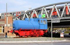 Industriedenkmal Dampfspeicherlok am Barmbeker Bahnhof im Hamburger Stadtteil Barmbek Nord. Die Lokomotive arbeitete von 1950-1991 Hamburgische Elektricitätswerke, Kraftwerk Hamburg-Tiefstack.