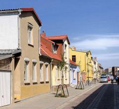 Wohnhäuser mit Dachwohnung - Architekturbilder aus Malchow, Mühlenstrasse.