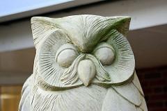 Skulptur Eule, Gesicht / Wappentier von Quickborn.