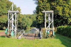 Fähranlage mit Gleisanschluss des technischen Denkmals Eisenbahnfähre in Fürstenberg / Havel.