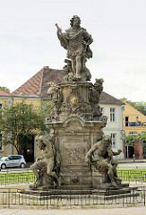 Barocke Sandsteinplastik Grosser Kurfürst Friedrich Wilhelm; errichtet 1738 - Bildhauer Johann Georg Glume, Bartholomé Damart am Schleusenplatz in Rathenow.