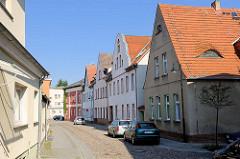 Wohnhäuser in der Krummestrasse von Fürstenfeld, Havel.