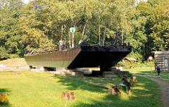 Technisches Denkmal Eisenbahnfähre in Fürstenberg / Havel; die Fähre hat eine Länge von 34,18m und eine Breite von 5,18m - sie wurde 1934 gebaut.
