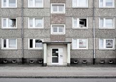 Mehrstöckiges Wohnhaus / Plattenbau - Stadt Rathenow.