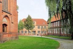 Kirchplatz von Hagenow - Schulgebäude.