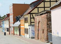 Einfache Wohnhäuser in unterschiedlichen Bauformen - Rathenow an der Havel.