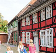 Historische Fachwerkhäuser am Kirchenplatz in Hagenow