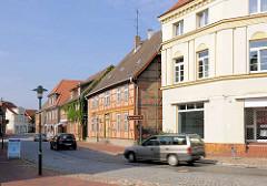 Wohngebäude / Fachwerkarchitetkur und Putzfassade - Lange Strasse / Hagenow.