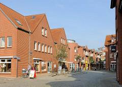 Fussgängerzone - Geschäfte in der Grubenstrasse von Hagenow.