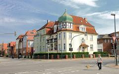 Architektur in Hagenow - Villa mit Erkerturm und Kupferdach -  Wohnhauser der Gründerzeit / Historismusarchitektur; Parkstrasse / Poststrasse.