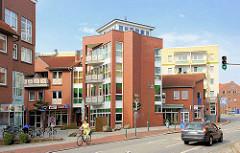 Moderne Wohn- und Geschäftsarchitektur an der Robert Stock Strasse in Hagenow.