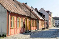 Historische Wohnhäuser in der Havelstrasse von Fürstenberg / Havel.