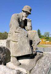 Gedenkstätte I. Weltkrieg; Inschrift: Es starben den Heldentod im Weltkriege 1914 - 1918 - ihren tapferen Söhnen die Stadt Fürstenberg.
