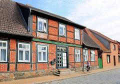Wohnhaus an der Teichstrasse in Hagenow - historische Fachwerkarchitektur.