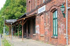 Bahnsteig und Empfangsgebäude - Bahnhof Hagenow Stadt; errichtet 1894.