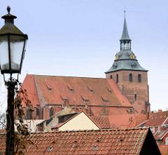 St. Michaeliskirche in Lüeburg - Klosterkirche des ehem. Benediktinerklosters, Grundsteinlegung 1376 - Vollendung des Kirchturms 1434.