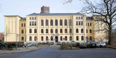 Gebäude des ehem. Johanneum in der Hansestadt Lüneburg / Roter Wall, erbaut 1872 - jetzt Hauptschule Stadtmitte.