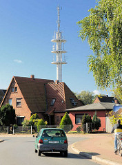 Funkturm / Sendemast für Mobilfunk, Wohnhaus in Lüneburg.