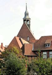 Kloster Lüne - ehemaliges Benediktinerinnenkloster und heutiges evangelisches Damenstift in Lüneburg; gegründet 1172 - nach einem Großbrand 1380 in Backsteingotik wieder aufgebaut.